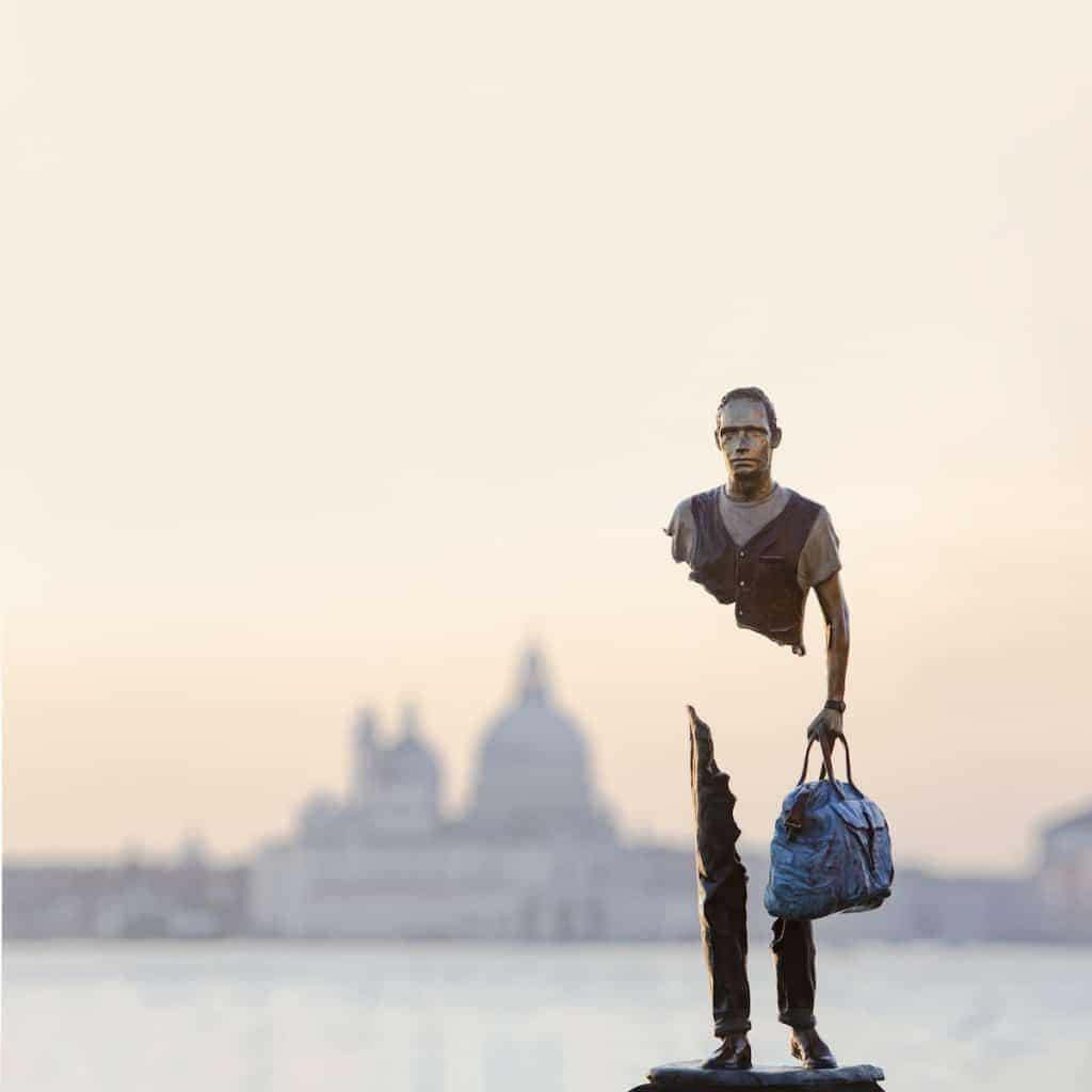 在威尼斯,哪個迎面而來的旅人,身上不帶一點殘缺?-01.jpg