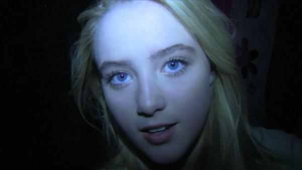 超大亮點!《名偵探皮卡丘》22歲美女主角「記者」露西 一雙水靈大眼讓她搜尋度暴增!_(11).jpg