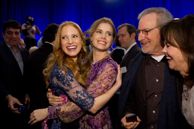 jessica-chastain-and-amy-adams.jpg