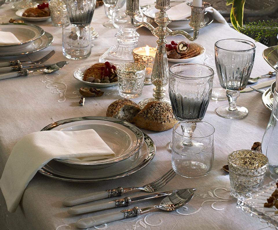 杯盤器皿的選擇,雖然只是一個小細節,卻能讓賓客的用餐體驗大大不同。(ZARA HOME/圖)